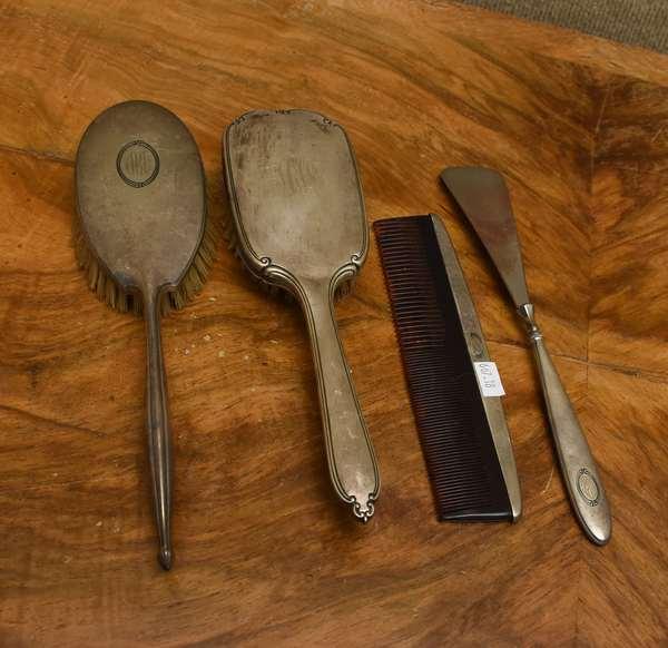 Sterling partial dresser set (667-18)
