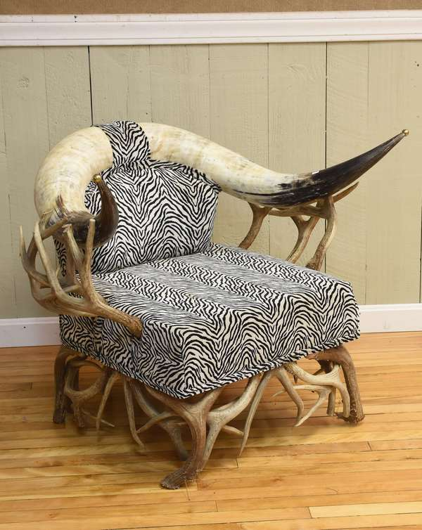 Trophy longhorn chair (586-51)