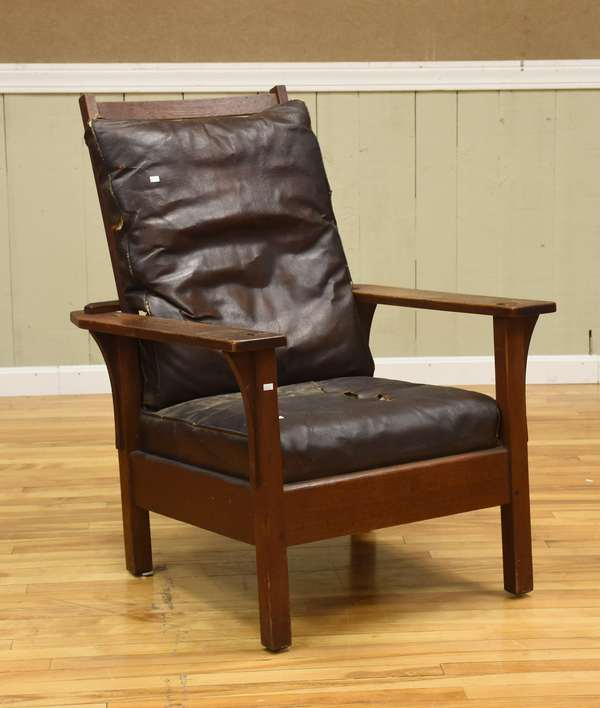Stickley Morris chair, original finish, cushions with label (437-67)