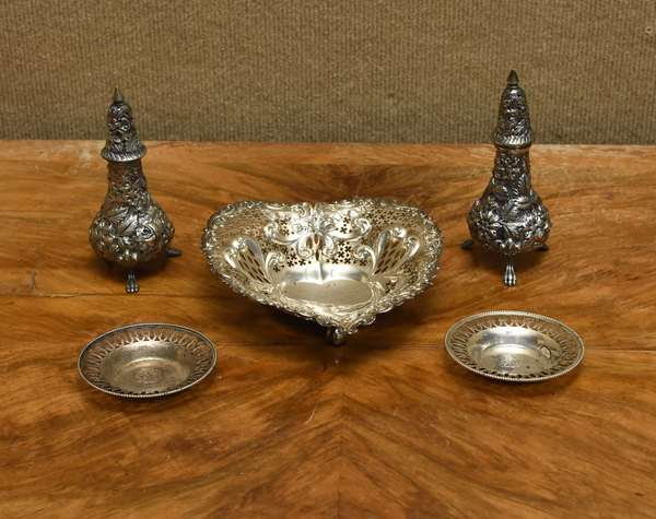 4 pc sterling lot inc candy dish, 2 sm. dishes, pair of salts, approx. 10 T.oz (667-24)