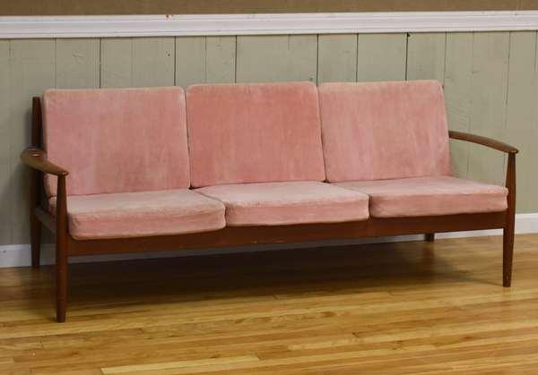 Vintage 1960's Danish sofa (93-18)
