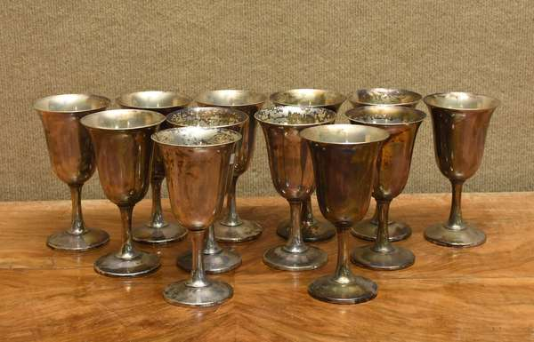 12 Wallace sterling goblets, 66 T.oz (757-6)