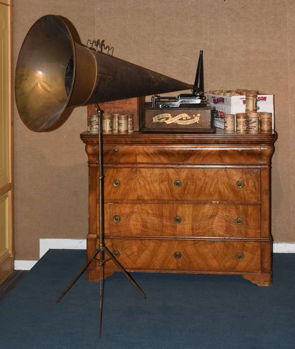Edison Home Phonograph, with cylinders and large and small horn (437-46)
