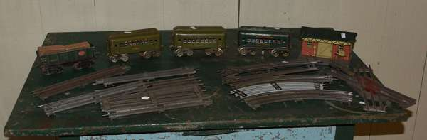 Small train set by Dorfan, four cars, one station, some tracks by American Flyer (437-57)