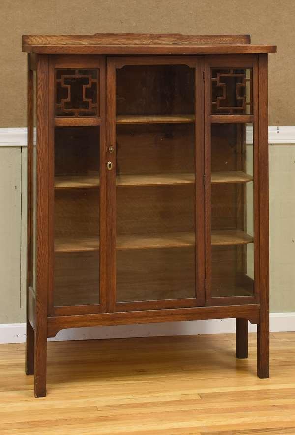 Mission oak china cabinet (516-6)