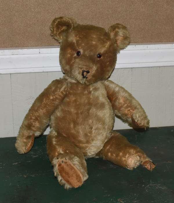 Steiff teddy bear from the early 1900's(668-7)