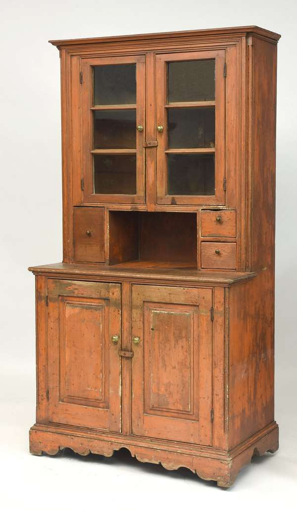 Set-back country hutch cupboard in old salmon paint, with two top glass doors, 79