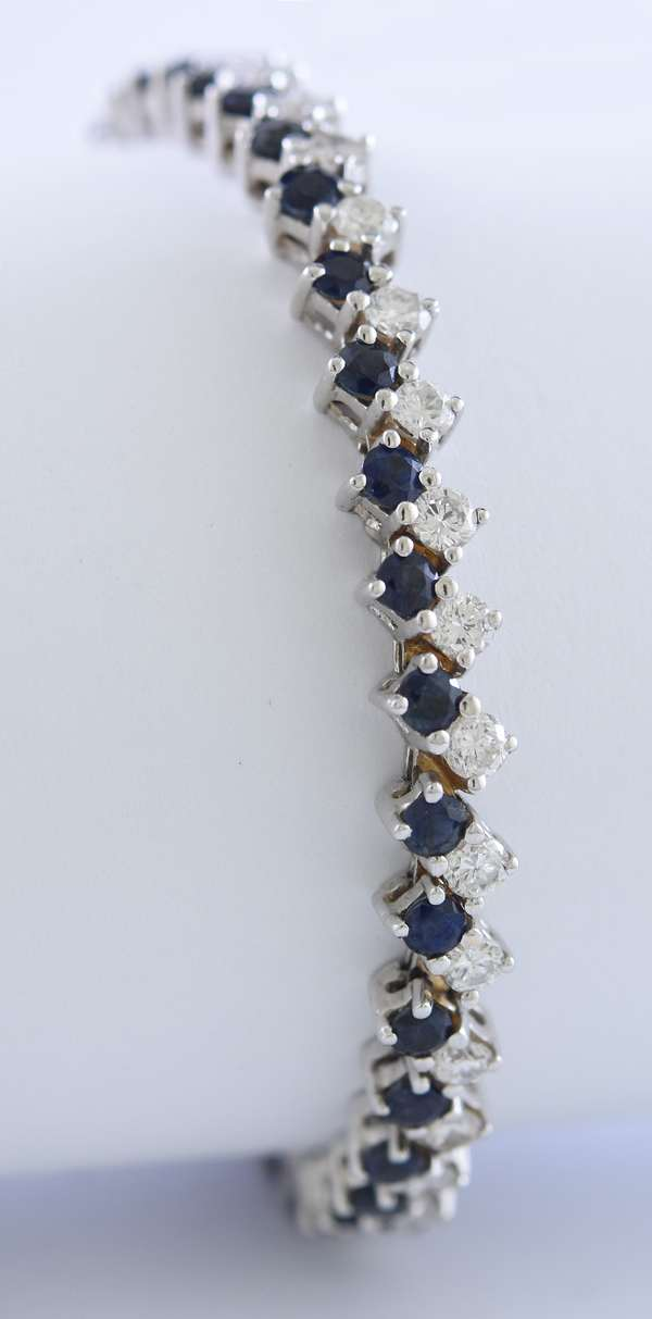 14k white gold diamond and sapphire bracelet, approximately 3.8 ctw diamonds and 4.65 ctw sapphires, 14.6 grams, 7