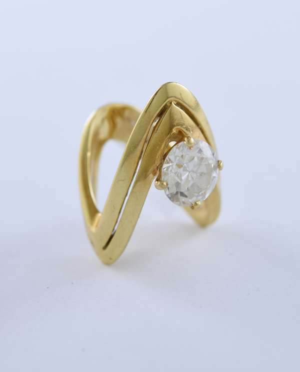 Stamped 18k yellow gold double wishbone style ring set with a 3.5 ct old European cut diamond, size 5.5, 17 grams