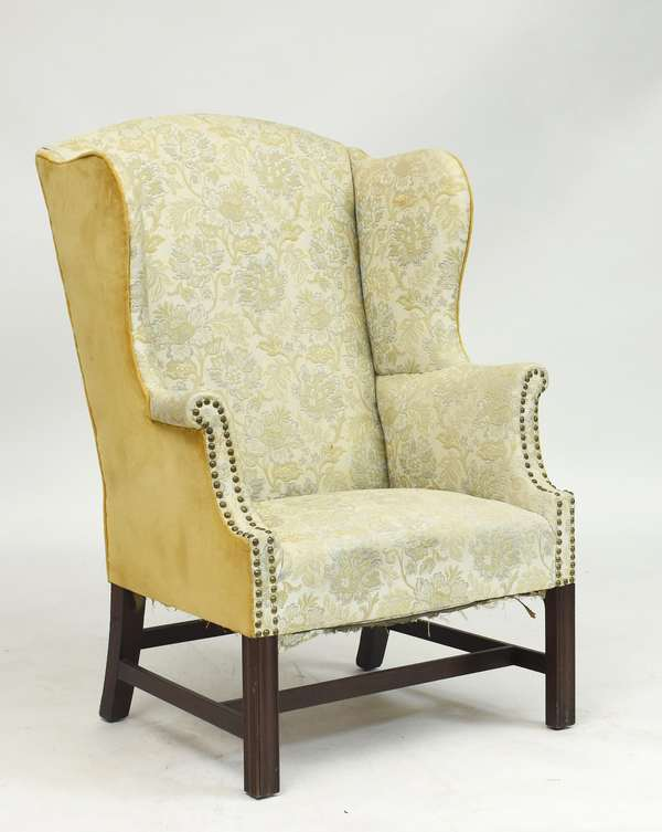 Good Chippendale American wing chair with molded legs, ca.1780, 45