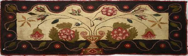 19th C. pictorial hooked rug/runner, Grecian urn with flowers and rosebuds, 33.5