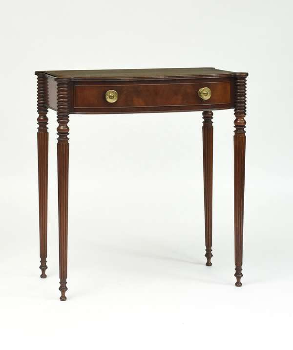Fine Federal MA mahogany dressing table, cookie corners with reeded legs, old brass pulls, back signed and dated