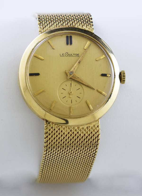 14k gold gentleman's Le Coultre wrist watch with gold mesh strap, engraved