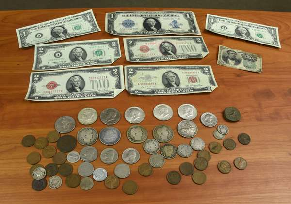 Ref 5: Assorted lot of U.S. coins and paper money with one ancient coin (816-5)