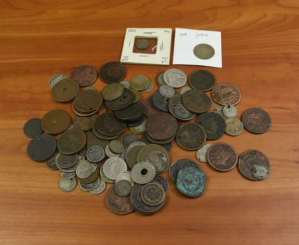 Ref 11: Large lot assorted low grade type coins (532-135)