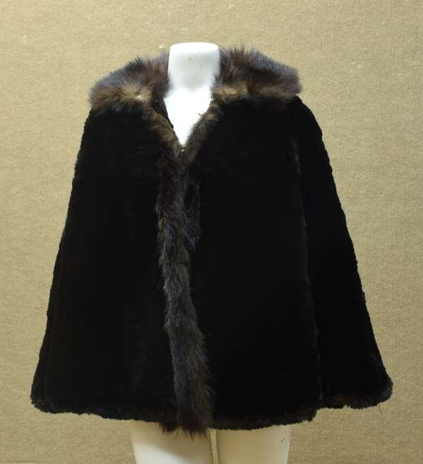 Fur cape, Robert Arnold Furrier (96-215)