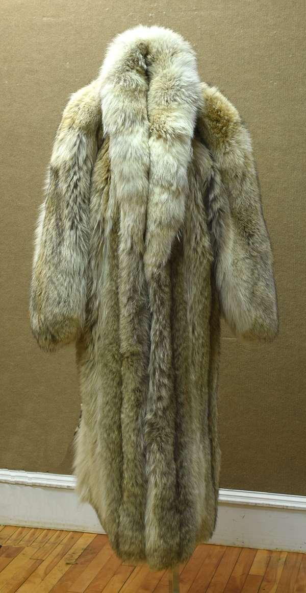 Fine sable coat, cost $12,500 new - Auction est $300-$500 (96-215)