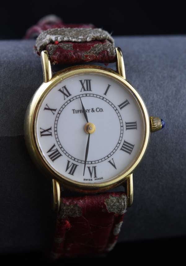 Ref 38: 14k yellow gold ladies wrist watch Tiffany & Co. with red leather band (96-153)