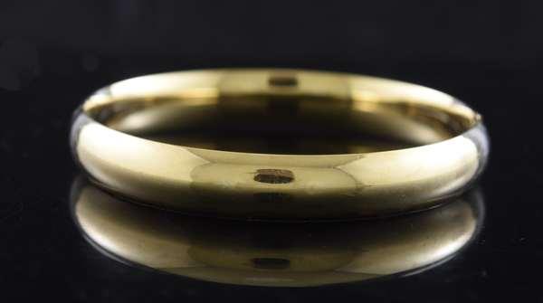 Ref 51: 14k yellow gold bangle bracelet, 14.7 grams (105-146)