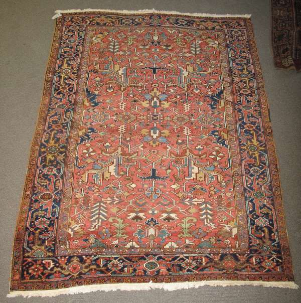 Room size Heriz Oriental rug, 7'8