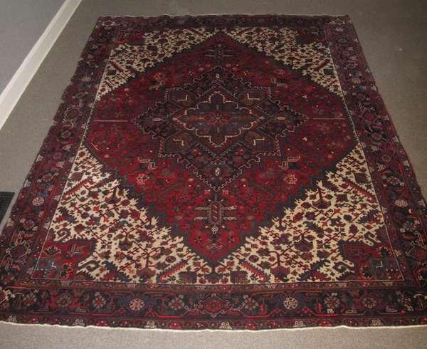 Oriental rug, 10'5