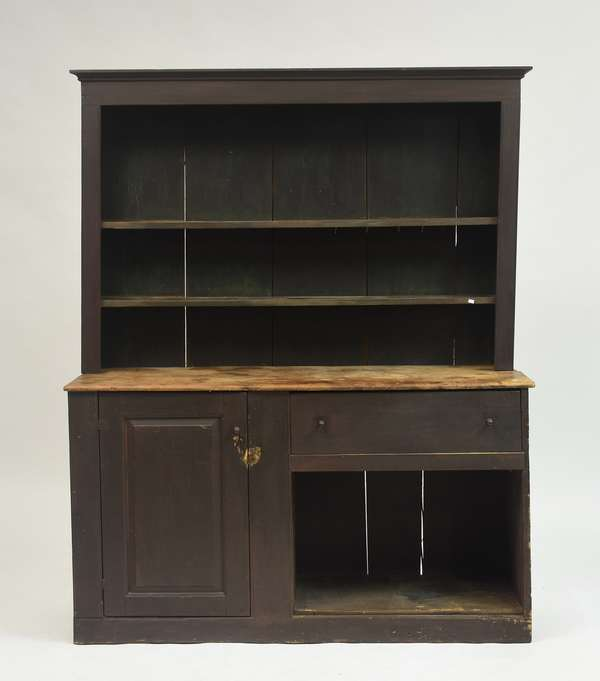 18th C. North Shore style country two-part set-back hutch cupboard, old paint, 75.5