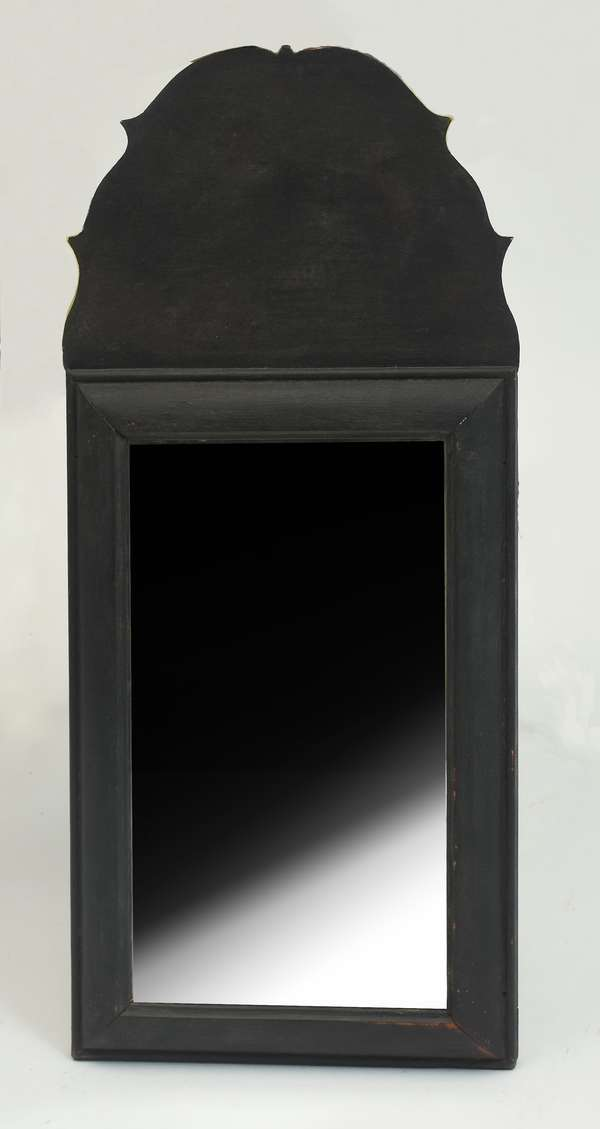 18th C. Queen Anne courting mirror with tall crest, in black paint, 24