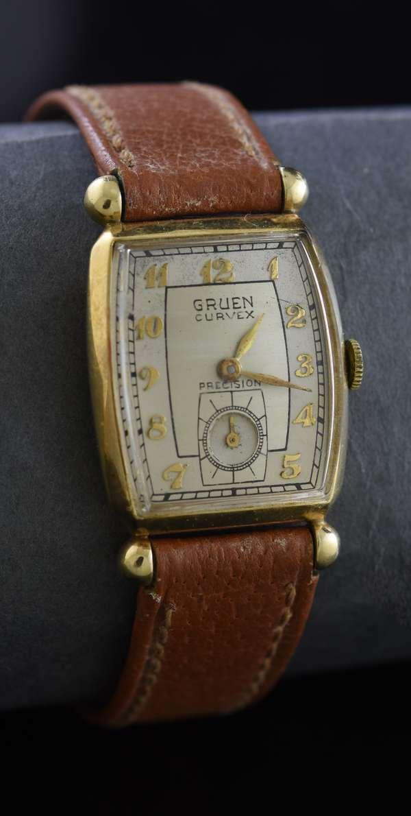 Ref 7 - 14k Gruen wrist watch (96-8)
