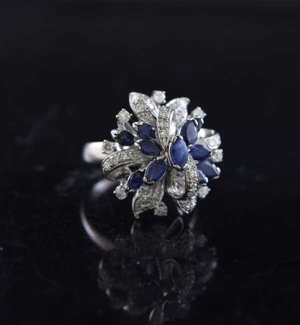 Ref 13 - 18k gold sapphire and diamond cocktail ring with approx 1ctw diamonds (96-14)