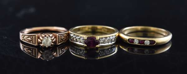 Ref 19 - Three 14k yellow gold rings, with diamonds and rubies (96-20)