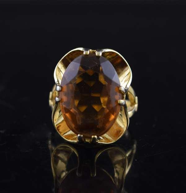 Ref 20 - 18k yellow gold smokey quartz, 13.43 mm x 19.06 mm (96-21)