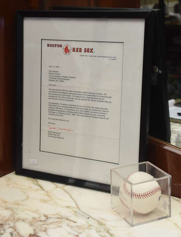 Boston Red Sox baseball signed by Matt Clement, with authentication letter (1-31)