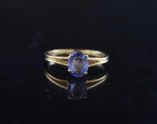 Ref 29 - 14k tanzanite ring (84-92)