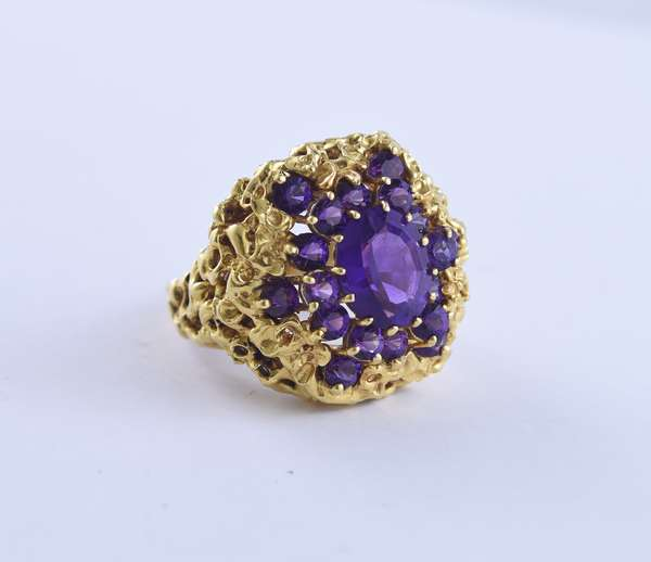 Signed PacG 18k yellow gold cluster ring set with approx. 3.0 ct dark purple amethyst, size 8, 19.9 grams