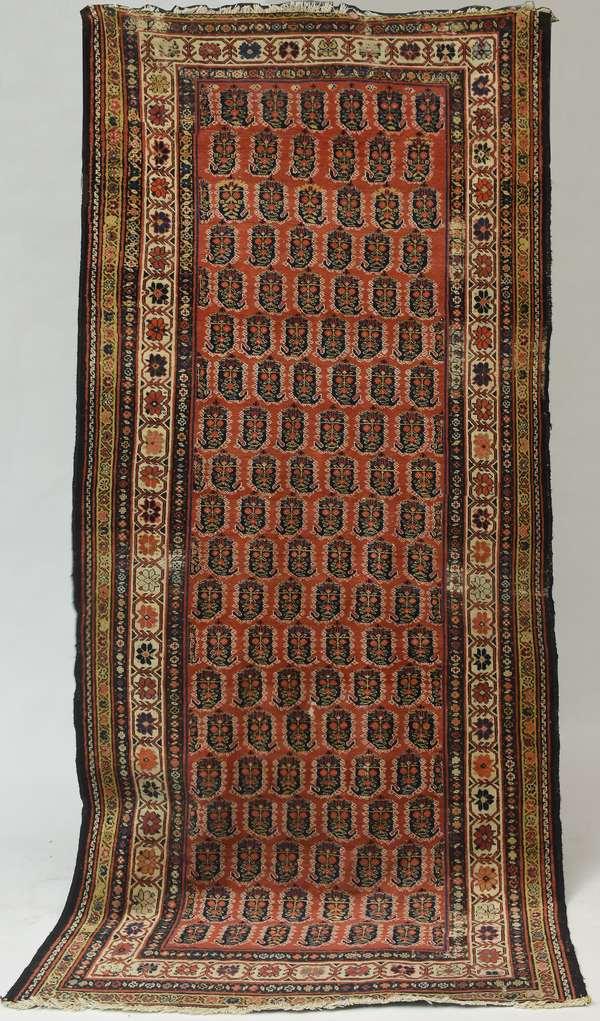 "Antique Oriental hall rug, 4'9"" x 10'3"""