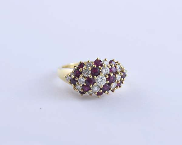 18k yellow gold ruby and diamond cluster ring set with approx. 2.80 ctw round brilliant cut stones, size 8.25, 8.0 grams