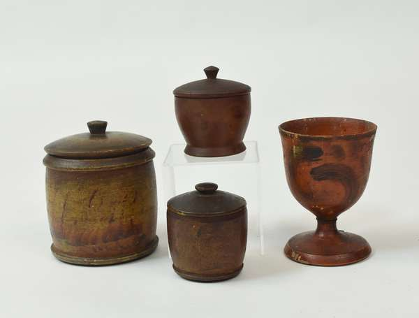 Four paint decorated treenware items
