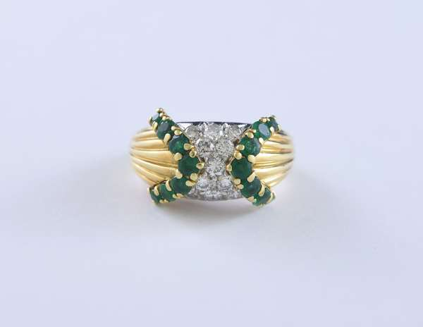 18k yellow gold emerald and diamond cluster ring set with approx. .75 ctw round brilliant cut diamonds and 1.0 ctw round emeralds, size 6.75, 11.2 grams