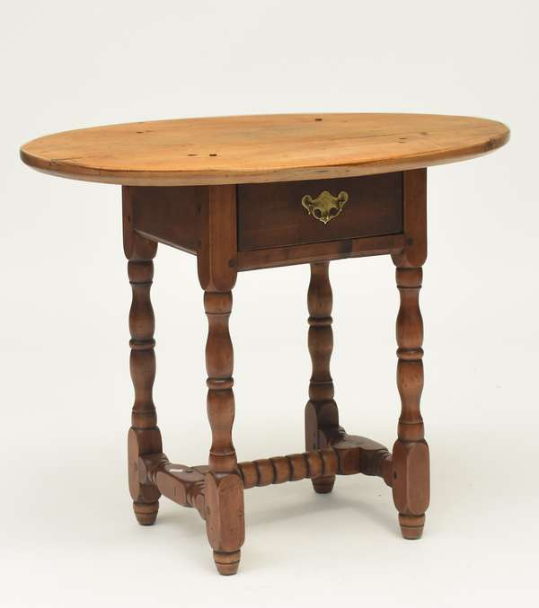 "A rare New England William & Mary one drawer oval top small maple tavern table, ca.1730, 31""L. x 21.5""W. x 24.5""H."