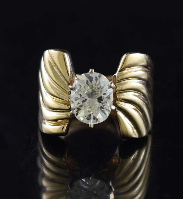 14k yellow gold oval diamond ring approx. 1.60 ct. 9.6 grams size 4