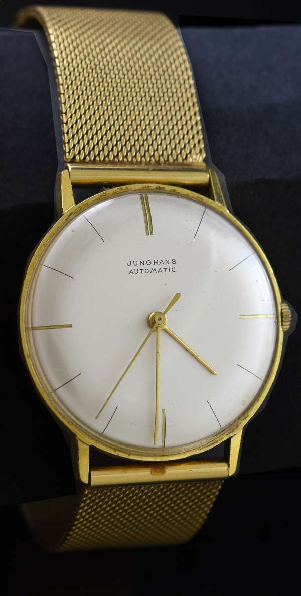 Gents Junghans wrist watch, automatic, stamped 18K Italy, yellow gold, gold mesh strap, 33.5 mm, 61.4 grams