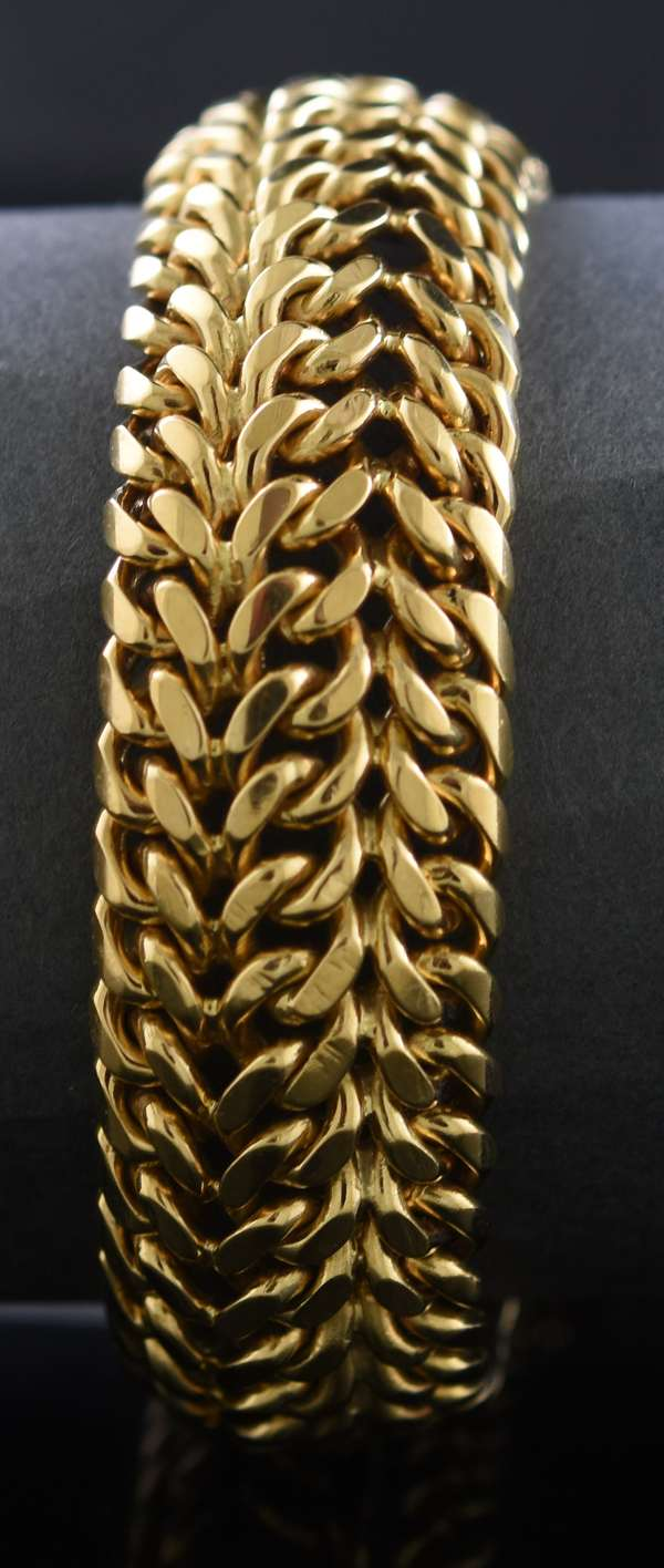 "18kt yellow gold 17 mm wide flexible bracelet, 7"", 82.8 grams"