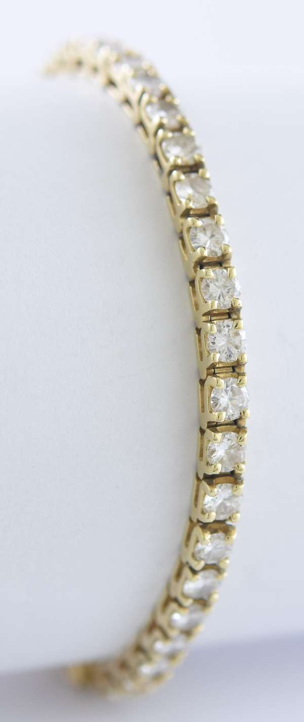14k yellow gold and diamond tennis bracelet, approx. 5 -6 ctw. diamonds, 6.75