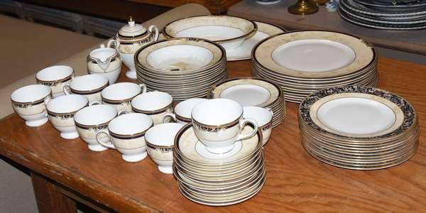 "Wedgewood ""Cornucopia"" pattern china set, 70 pieces"