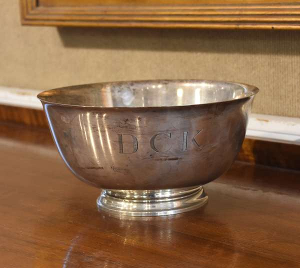 """Tiffany & Co. Paul Revere sterling silver bowl, approx. 19.5 toz, 8.25"""" dia."""