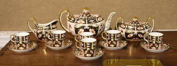 Royal Crown Derby for Tiffany & Co. china tea set, Imari pattern, 14 pieces