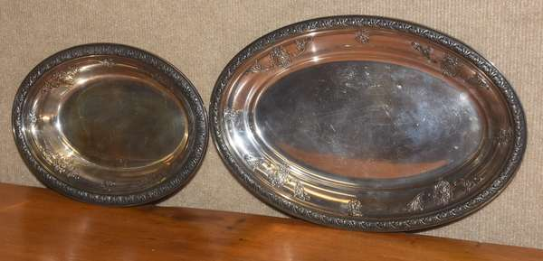 Two Gorham sterling serving dishes, approx. 30.5 T. oz (44-379)
