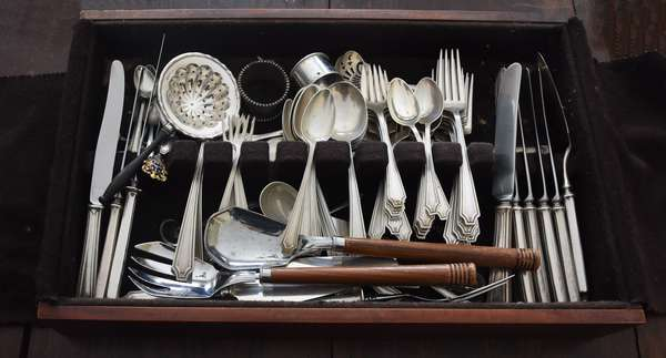 Partial sterling silver flatware set, approx 68 T. oz of weighable silver (897-54)