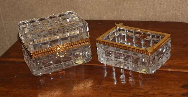 Two French crystal pieces, box and ashtray (461-127)