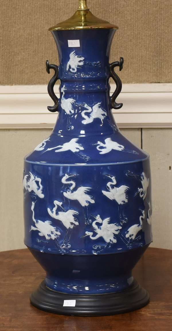 """Chinese porcelain table lamp, 29""""H. (918-5)"""